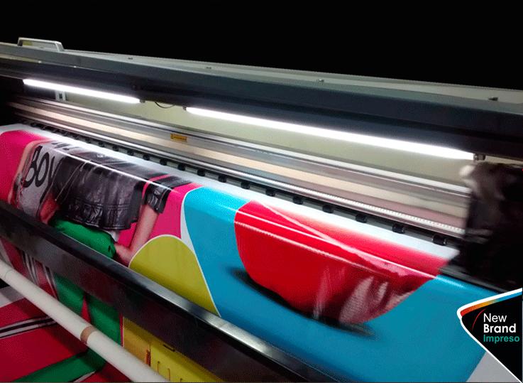 new-brand-impresiones-banderolas-en-gran-formato